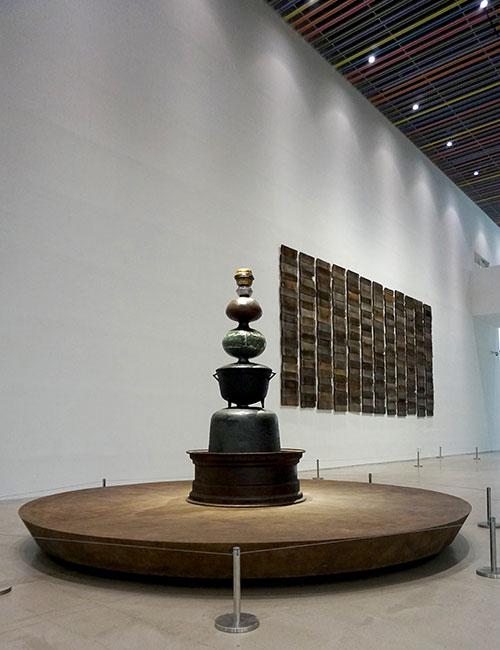 최정화, 〈알케미(Alchemy)〉, 2016. 혼합재료, 가변설치. ⓒ국립현대미술관