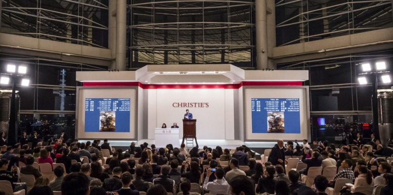 Christie's Hong Kong Asian 20th Century & Contemporary Art Evening Sale, November 2017. Showing Zao Wou-Ki's masterpiece '29.01.64' achieving HKD 202,600,000 (USD 26,063,431) – setting a new world record for an oil painting by any Asian artist. Image courtesy Christie's Hong Kong.