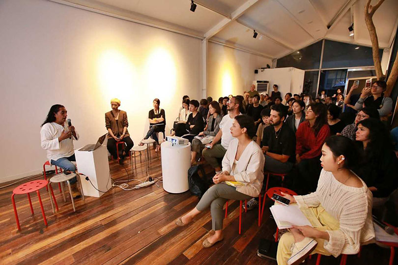 Artist Fernando Palma Rodriguez speaks at the first official program of the13th Gwangju Biennale, at an art studio in Gwangju on Tuesday. (Gwangju Biennale Foundation)