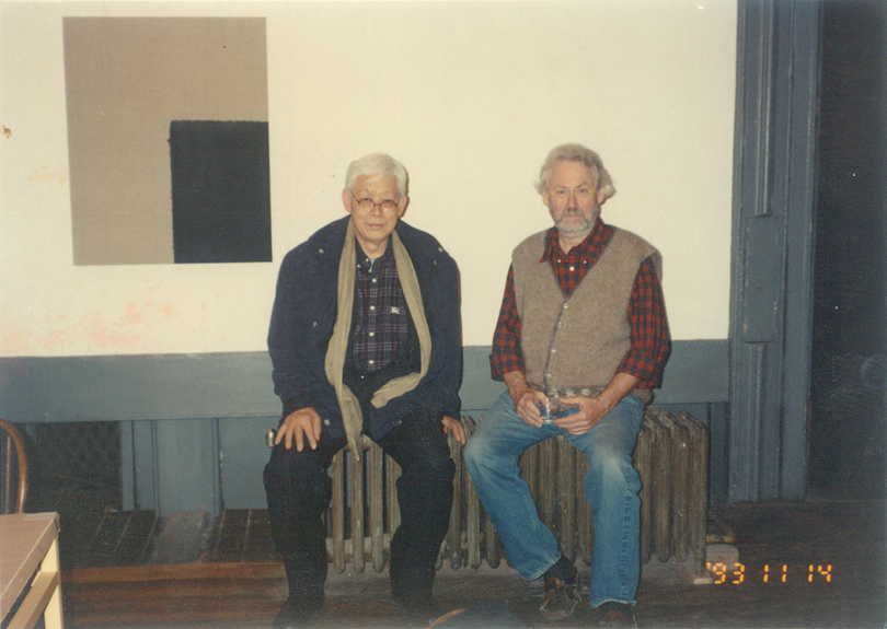 Nov. 14, 1993, YHK and Donnald Judd at the Yun's solo exhibition in Judd's Gallery, Soho, NY. Image © Yun Seong-ryeol. Courtesy of the Estate of Yun Hyong-keun.