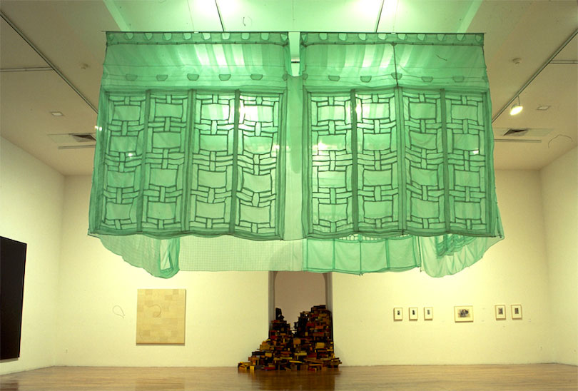 Do Ho Suh, 〈Seoul Home/L.A. Home〉, 1999. © the artist. Courtesy Lehmann Maupin New York, Hong Kong and Seoul, and Victoria Miro, London/Venice