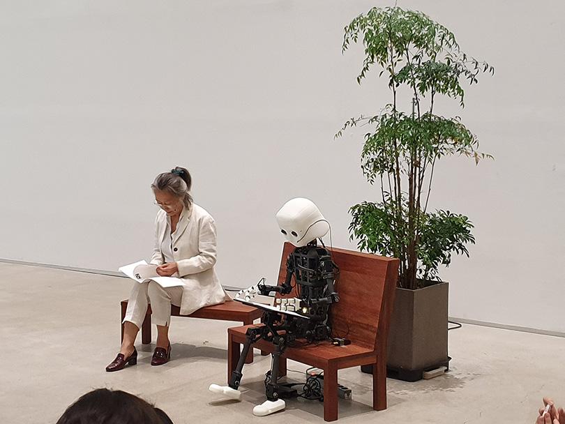 신작 퍼포먼스 〈시간과 공간 2019〉 현장.